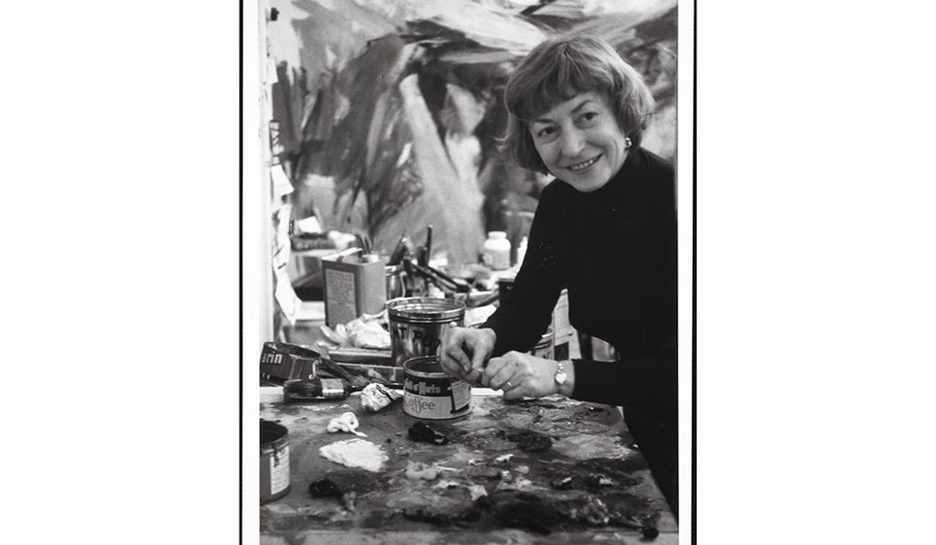 black and white photo of Elaine de Kooning for her bio page